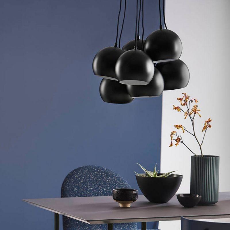 suspension noir iron