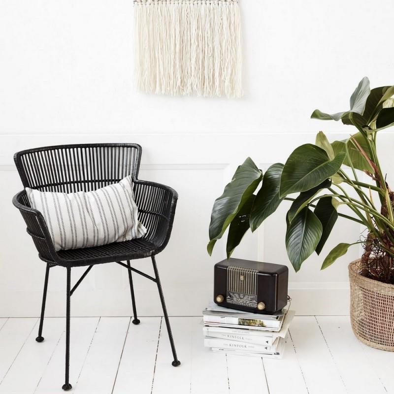 Chaise Rotin Noir Avec Accoudoirs Salle A Manger Design House Doctor