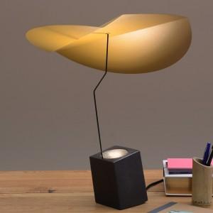 Lampe led a poser Presse Citron Ekil cumin