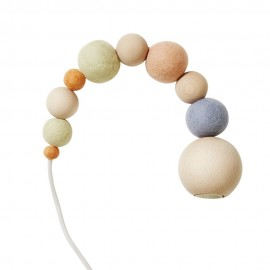 lampe suspension perles bois feutrine aveva design wow pastel