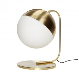 Lampe à poser boule verre blanc opalin métal laiton Hübsch