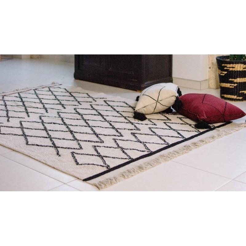 lorena canals bereber crisscross tapis lavable ethnic noir et blanc. Black Bedroom Furniture Sets. Home Design Ideas