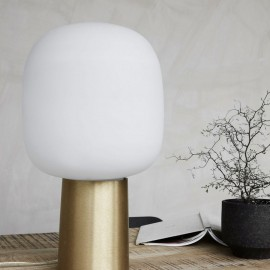 Lampe de table blanche laiton house doctor note