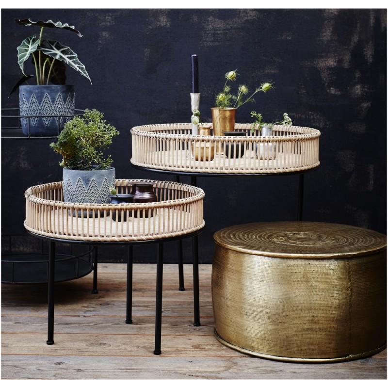 set de 2 tables basses rondes aluminium dore grave madam. Black Bedroom Furniture Sets. Home Design Ideas