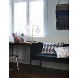 Lampe de table art déco bras laiton boules blanches Broste Copenhagen Caspa 2