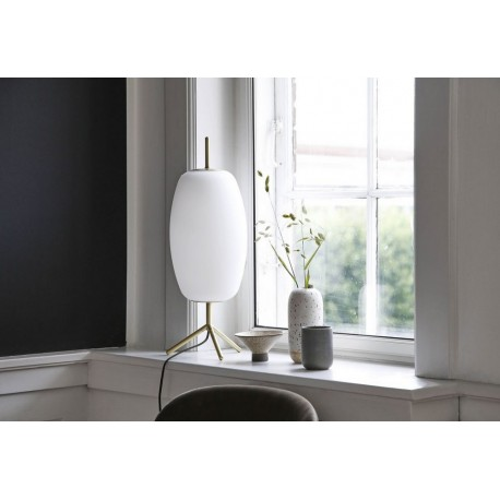 frandsen silk lampe de table elegante chic verre blanc laiton tripod