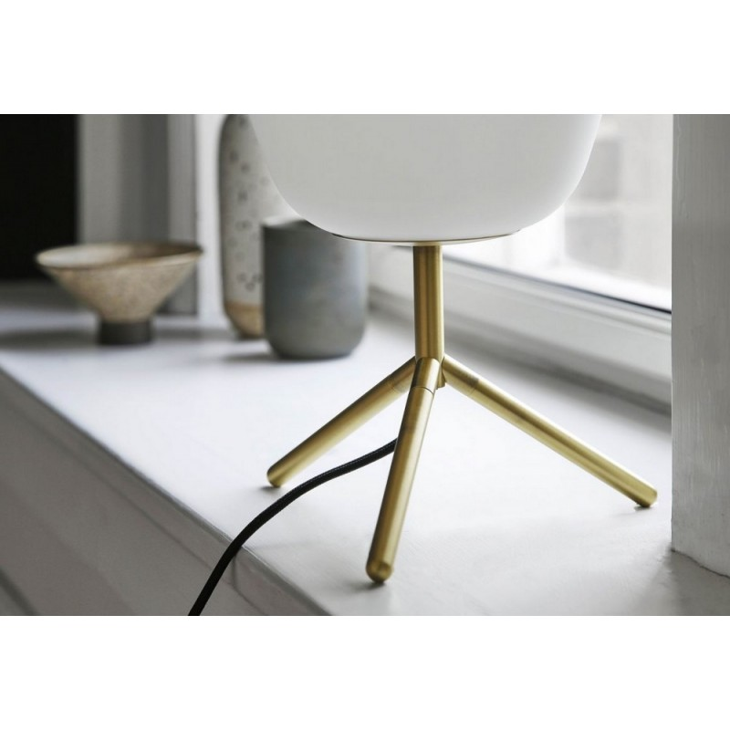 Silk Table De Elegante Lampe Verre Frandsen Chic Blanc Tripod Laiton WEbeDYH29I
