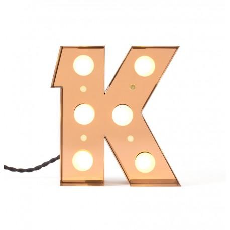 lampe lumineuse lettre k applique led metal laiton seletti caractere