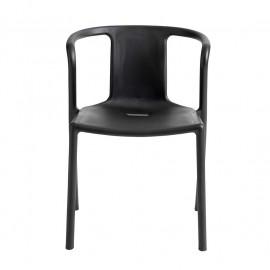 chaise de table design avec accoudoirs polypropylene noir muubs keiko