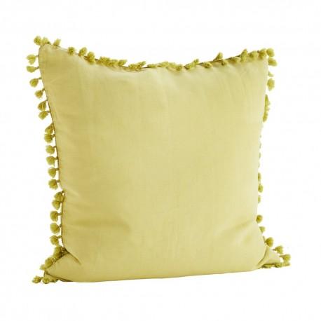 madam stoltz housse de coussin lin jaune pompons 60 x 60 cm