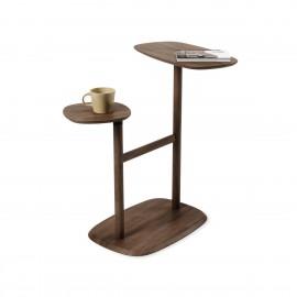 umbra swivo table d appoint bois fonce tablettes pivotantes