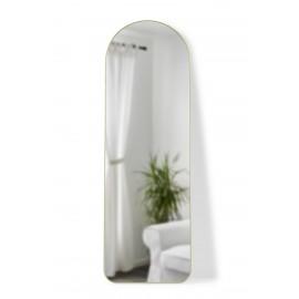 umbra grand miroir arche a poser contre le mur cadre metal laiton