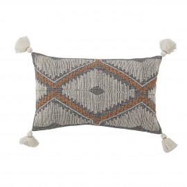 bloomingville coussin rectangulaire style ethnique brode pompons