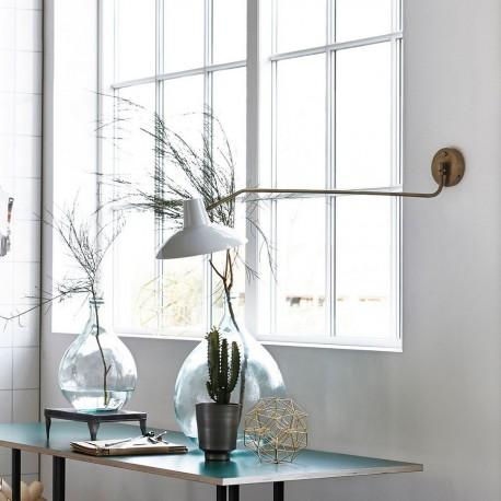 Applique murale vintage laiton bras long House Doctor Desk blanc