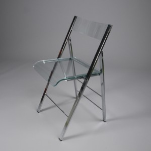 chaise-pliante-transparente-kpli