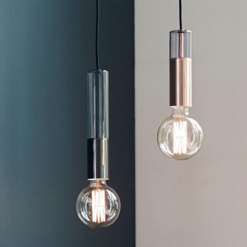 suspension epuree ampoule en verre ambre et metal noir frandsen freja. Black Bedroom Furniture Sets. Home Design Ideas